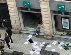 Les gauchistes financés par la mairie d'Angers ravagent la ville