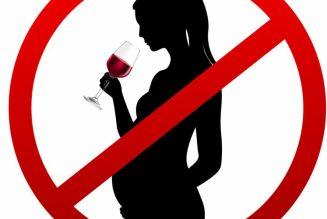 Boire de l'alcool ou avorter : les contradictions du ministre de la santé
