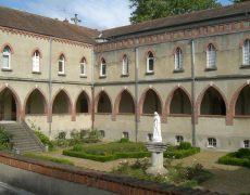 Le monastère des Dominicaines à Paray-le-Monial refait son toit