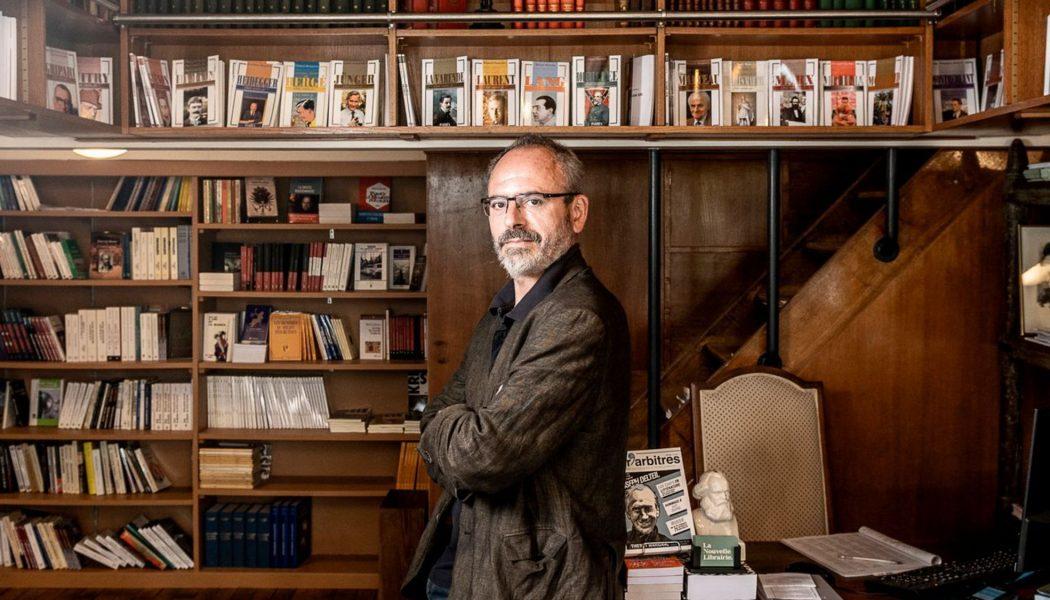 Un journaliste de l'Express appelle à détruire une librairie de droite