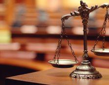 Cinq ans d'interdiction d'exercer requis contre un gendarme pour une gifle