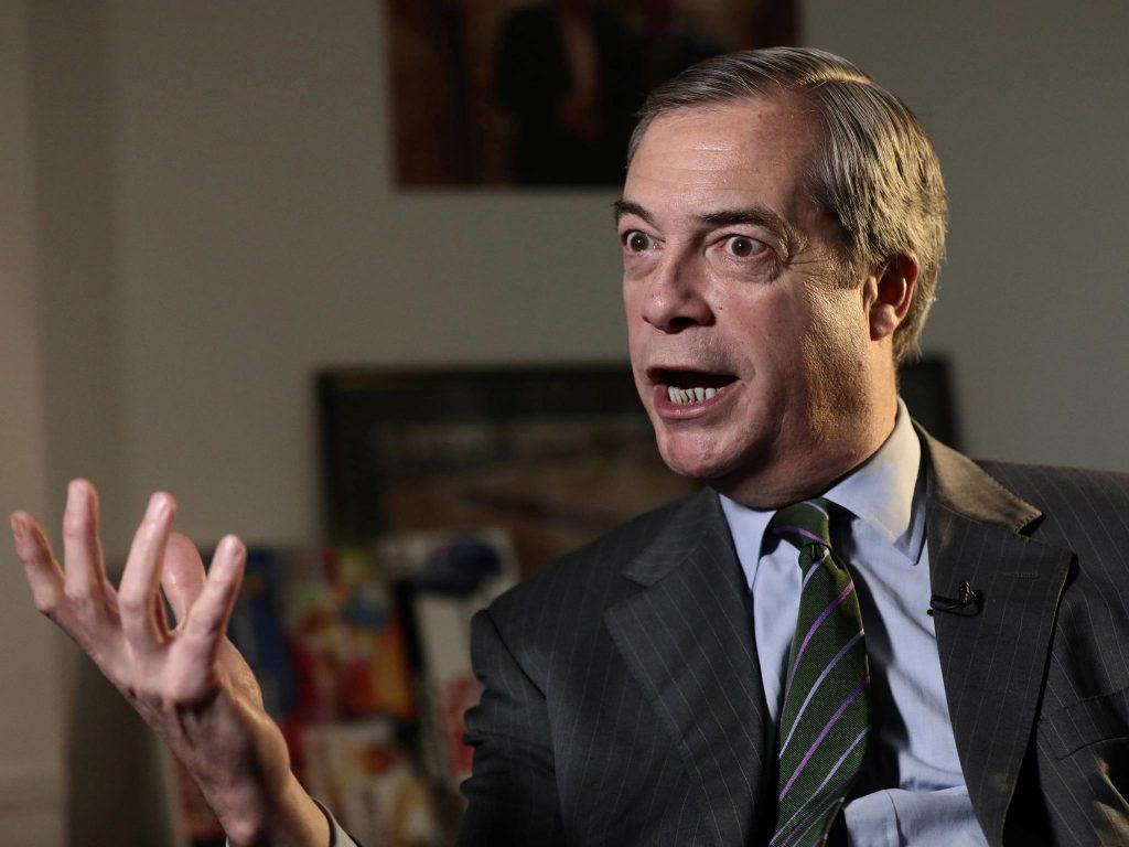 Nigel farage viktor orban rejoignez le club du brexit for Le salon beige fr