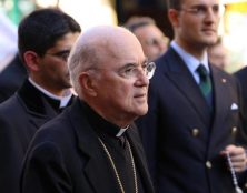 Un mois après son témoignage, Mgr Vigano appelle à la transparence