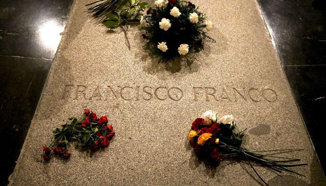 Même mort, Franco donne encore des sueurs froides à la gauche