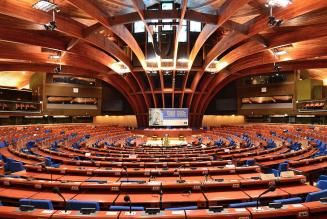 Un rapport de l'Assemblée parlementaire du Conseil de l'Europe pour renverser les normes familiales