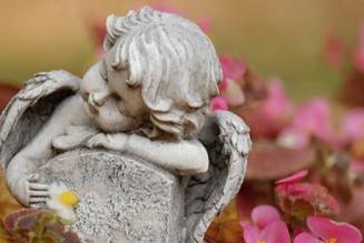 Photographier les bébés décédés afin d'accompagner les parents dans leur deuil