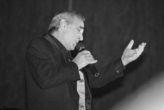 Charles Aznavour : Je suis devenu Français. Il faut le faire. Ou alors il faut partir