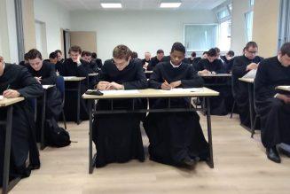 6 nouveaux séminaristes au Séminaire Saint Vincent de Paul : Aidez à les accueillir