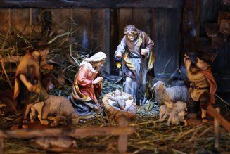Le pape soutient la tradition de la crèche, y compris sur les places publiques