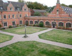 Un prêtre dénonce la sous-culture de l'homosexualité du grand séminaire britannique