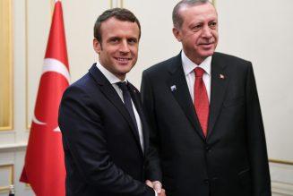 Emmanuel Macron, chef des armées inquiétant
