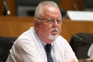 Un courageux sénateur pro-vie australien face à la meute pro-avortement