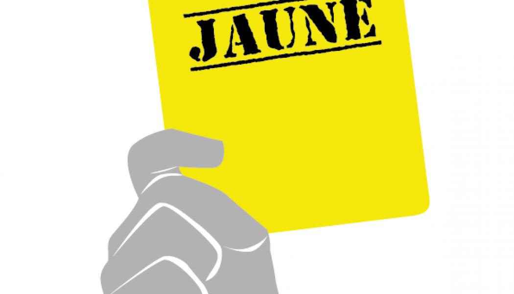 Gilets jaunes : une Marseillaise devant l'Elysée implacablement fermé