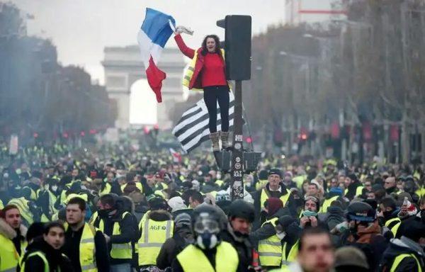 Les Gilets jaunes ont envahi Paris