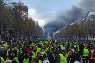 Pourquoi les gilets jaunes s'évertuent à « monter à Paris » ?