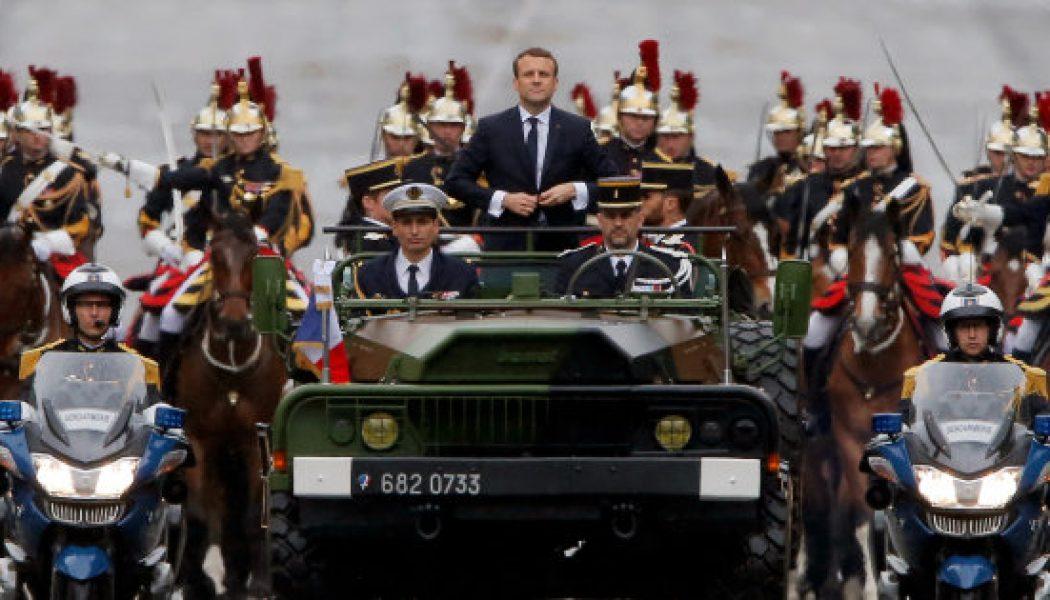 Purger les traditions religieuses au sein des Armées : voilà l'idée de quelques députés