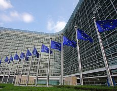 La Commission européenne confond parenté et parentalité