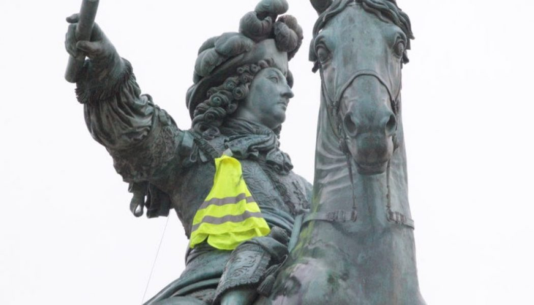 Pendant qu'ils préparent Paris, des gilets jaunes à Versailles ?