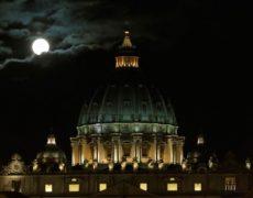 Si le nombre de catholiques reste stable, le nombre de prêtres est en baisse dans le monde