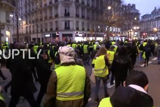 Gilets jaunes: Benjamin Griveaux évacué après une intrusion