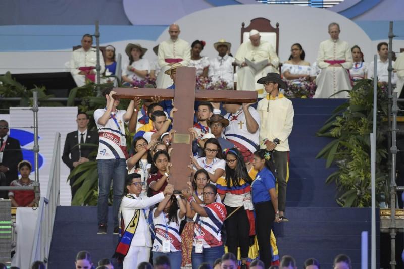 Le chemin de croix se prolonge dans le cri étouffé des enfants que l'on empêche de naître