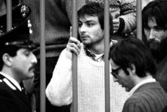 Dans la presse française, un terroriste d'extrême-gauche devient un militant