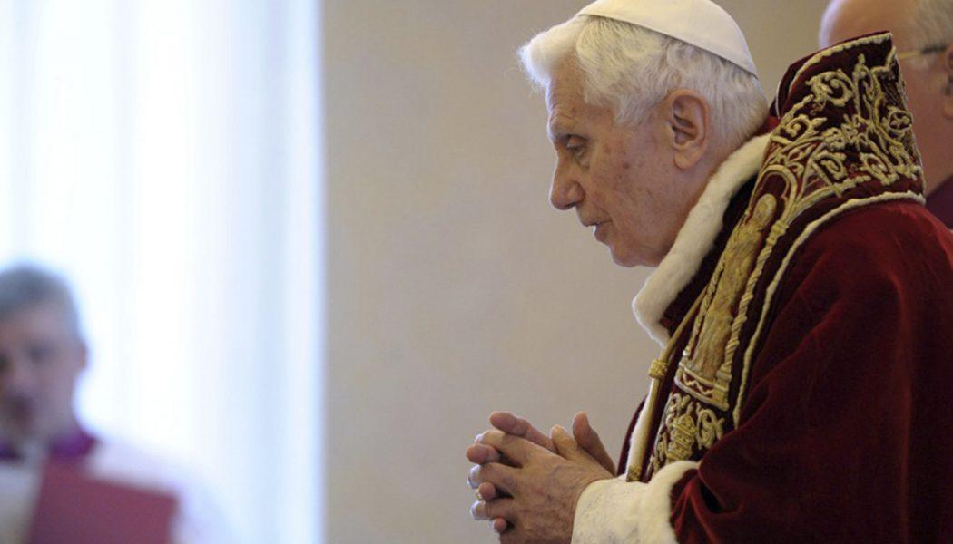 Abus sexuels : Benoît XVI avait écrit son texte pour qu'il soit distribué aux évêques réunis par le pape François