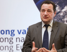 Jean-Frédéric Poisson à l'assemblée générale du Mouvement politique chrétien européen