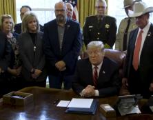 Mur avec le Mexique : Donald Trump tient bon