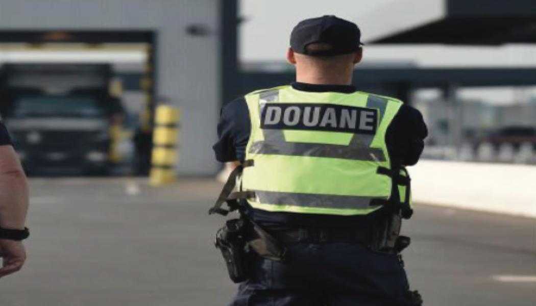 Un préfet envoie la police empêcher les douanes de faire des contrôles