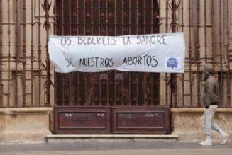 Les féministes oublient les mosquées et s'en prennent à plusieurs paroisses en ce 8 mars 2019