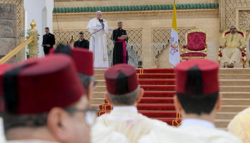 Au Maroc, le pape plaide pour la liberté de vivre selon sa propre conviction religieuse
