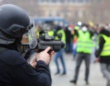 Répression de manifestations : quelle leçon la France peut-elle donner à la Russie ?