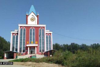 Chine : Des chrétiens chantent pendant que le PCC démantèle une croix
