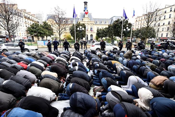 Faut-il interdire le salafisme en France?