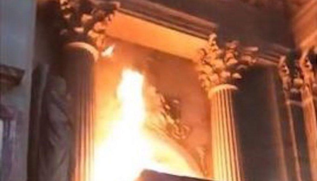 Incendie dans l'église Saint-Sulpice à Paris