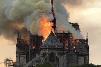 L'hommage des Frangines à Notre-Dame de Paris