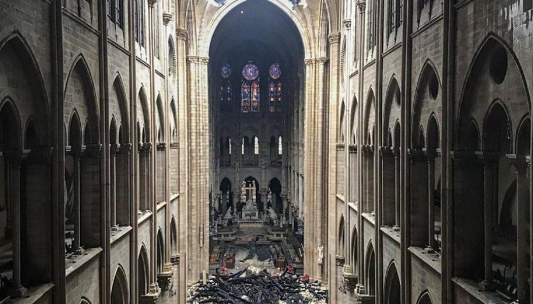 Notre-Dame dévastée ou l'appel des pénitents
