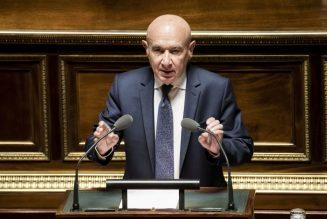 Après le grand débat et toujours en attendant Godot, Claude Malhuret fait son show au Sénat