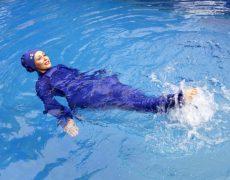 Avec la complicité des médias, les islamistes veulent imposer le burkini à la piscine