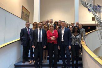 Le RN forme un groupe de 73 élus au Parlement européen