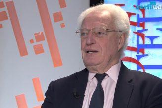 """Charles Gave : """"Tant que les hommes politiques de droite auront peur de la presse, ça n'ira pas bien loin"""""""