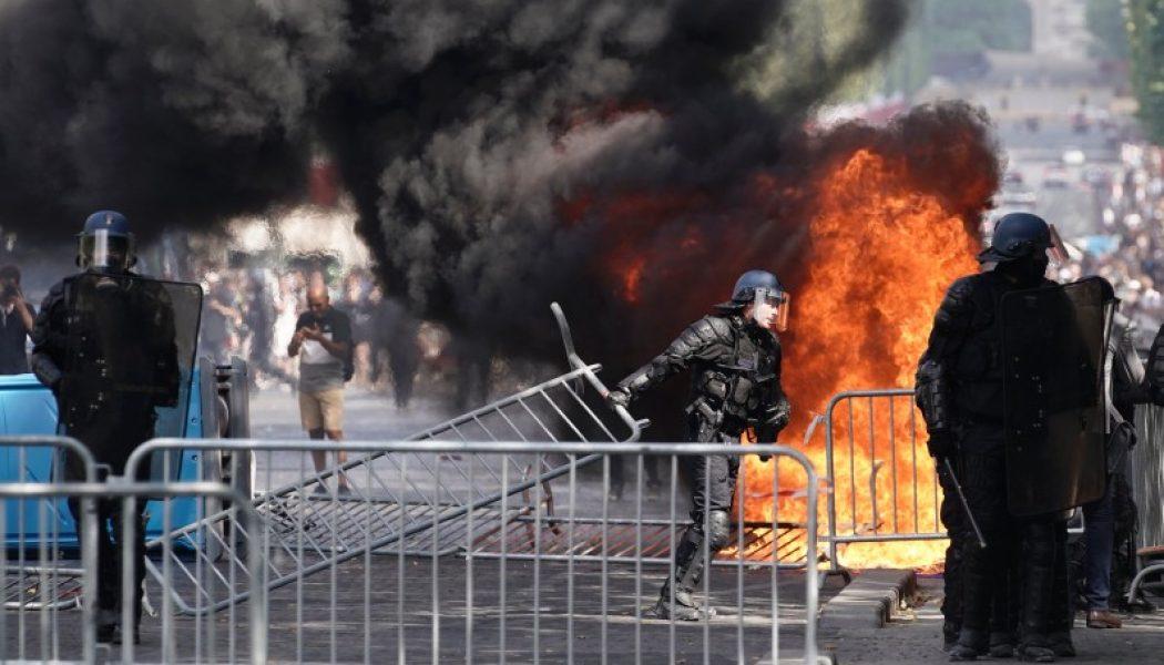 Des gilets jaunes s'invitent sur les Champs-Elysées pour le 14 juillet