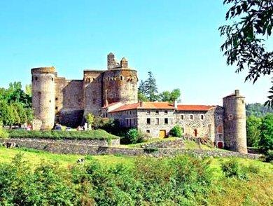 Saint-Vidal : une forteresse incontournable en Auvergne