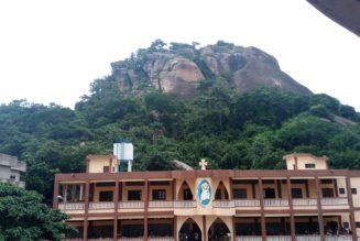 Bénin : 7000 catholiques ont effectué un pèlerinage à la grotte de Notre-Dame d'Arigbo pour la protection de leurs pays contre l'Islam