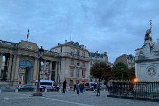 Bioéthique : les Sentinelles devant l'Assemblée nationale