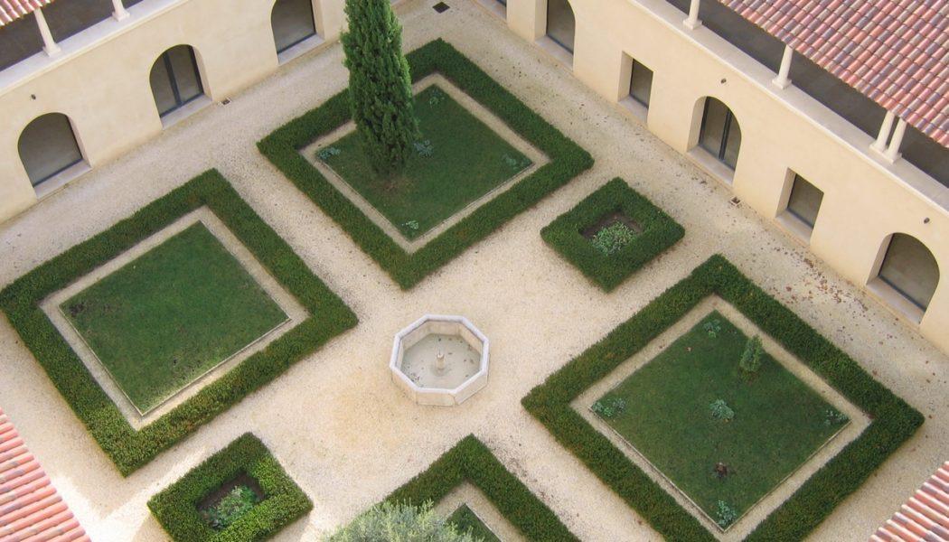 L'abbaye Notre-Dame de Triors : son histoire, ses produits et ses chants grégoriens