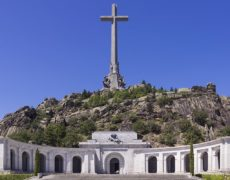 Le dernier hiver des moines dans la Valle de los caïdos en Espagne