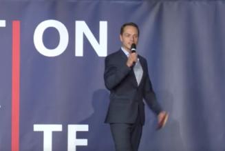 Alexandre Pesey à la Convention de la droite : c'est à nous de prendre nos responsabilités