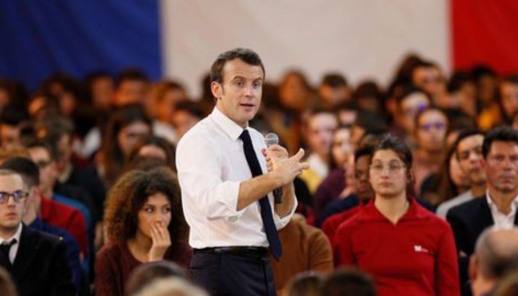 Rêve : Le président Macron prenant la parole lors de la marche pour la vie…